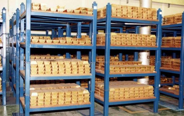 El precio del oro corrige, pero su mercado alcista est� intacto