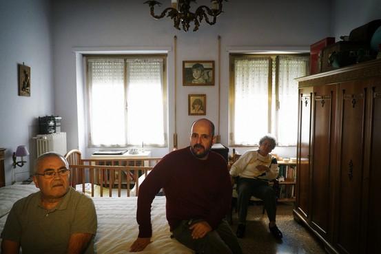 Los j�venes europeos pagan los costos de los beneficios que recibieron sus padres