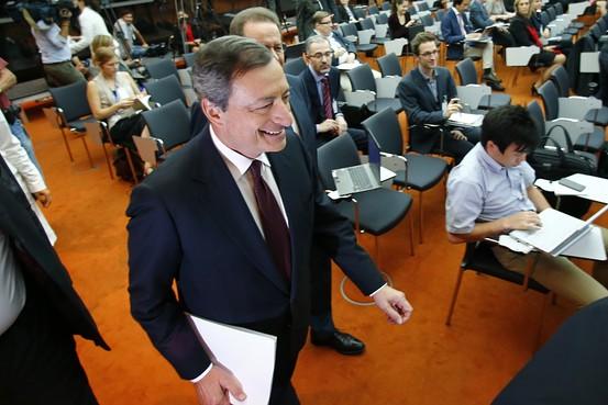 Mario Draghi propone mayores medidas de est�mulo para impulsar a Europa