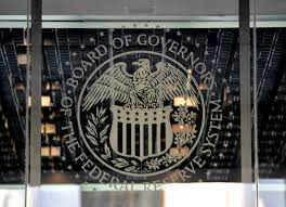 La Fed medita y los mercados abren el paraguas