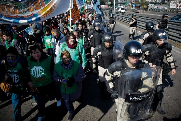 Argentine Workers in National Strike as Economic Woes Mount
