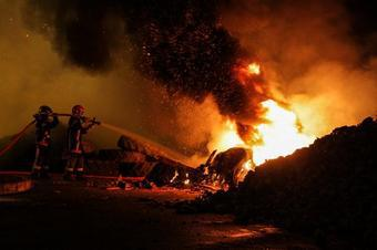 French Farmers Set Tax Office On Fire � Demise of Europe