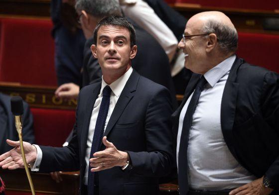 Fitch amenaza con devaluar a Francia por el riesgo de no cumplir el d�ficit
