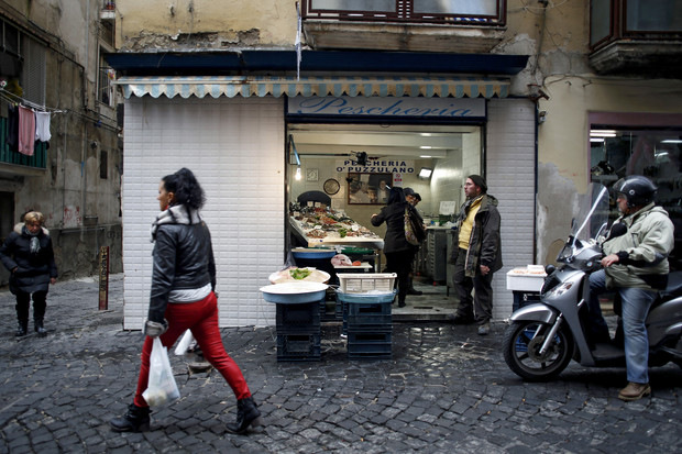 Italian Unemployment Rate Rises to Record, Above Forecasts