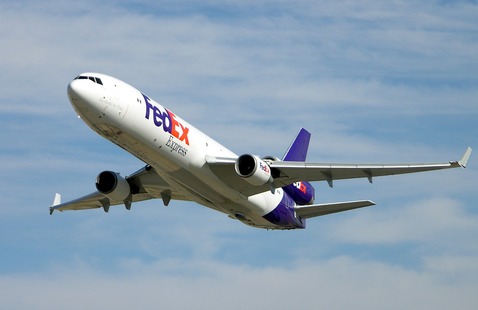 Logistics Bellwether FedEx Misses Across The Board Despite Plunging Energy Costs