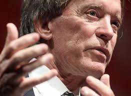 Bill Gross Says Currency War Risks Slowing Global Growth