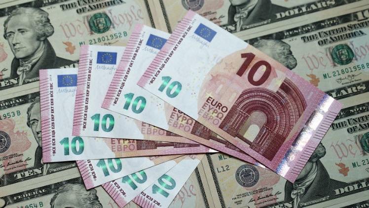 Euro d�bil contra d�lar fuerte, �qui�n gana y qui�n pierde en la econom�a mundial?
