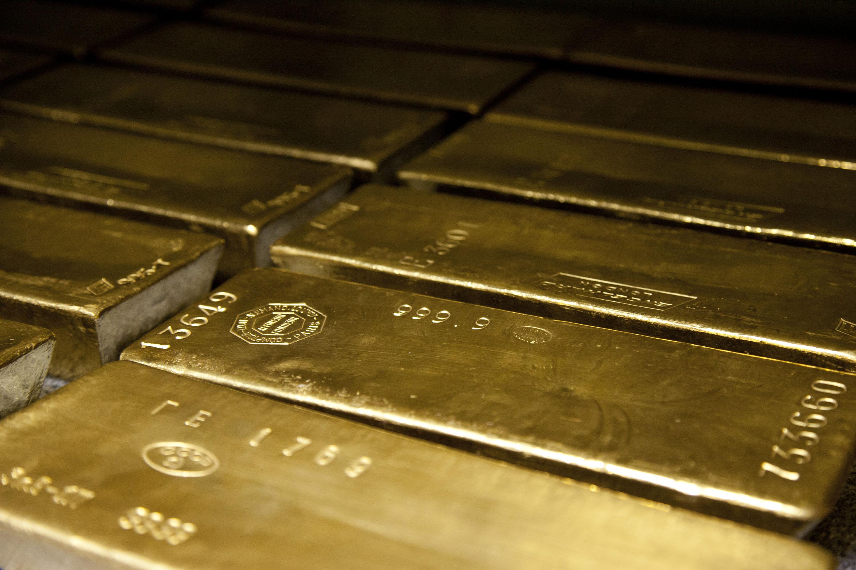 Persiste la escasez de oro