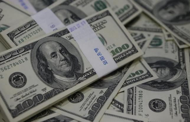 Dollar hits 1-month high as periphery woes weigh on Europe