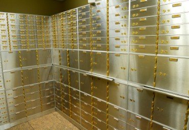 Greece Shuts Down Access to Safe Deposit Boxes