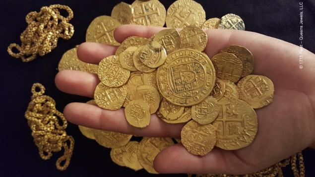The Moment Diver Discovers $1 Million In Gold From 300-Year-Old Spanish Shipwreck