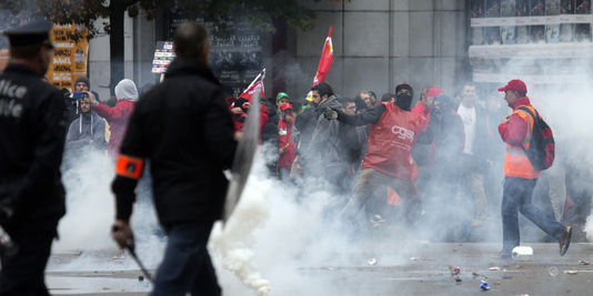 Belgium Riots Reach up to 100,000 People Against Austerity