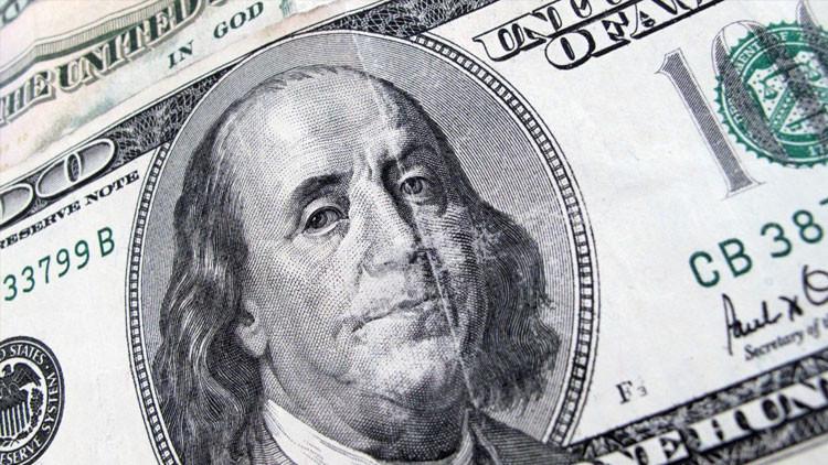 El Dolar de EE.UU Alcanza Minimo Historico