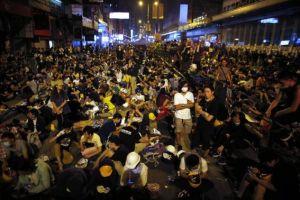 hong kong crisis deepens, talks on tuesday