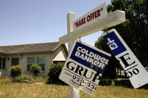 rising bank repossessions push up foreclosure activity in april