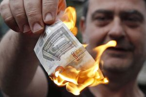 europe is blowing itself apart over greece - and nobody seems able to stop it