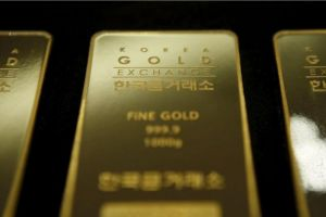 south koreans pile into gold