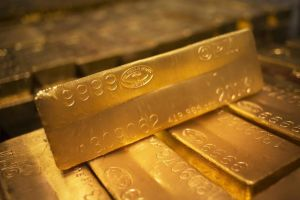 gold prices move higher after u.s. data disappoints