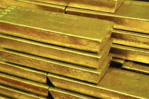 'gloom, boom & doom' economist pushes for gold